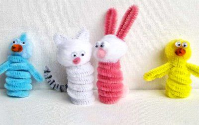 Pipe cleaner Easter figures