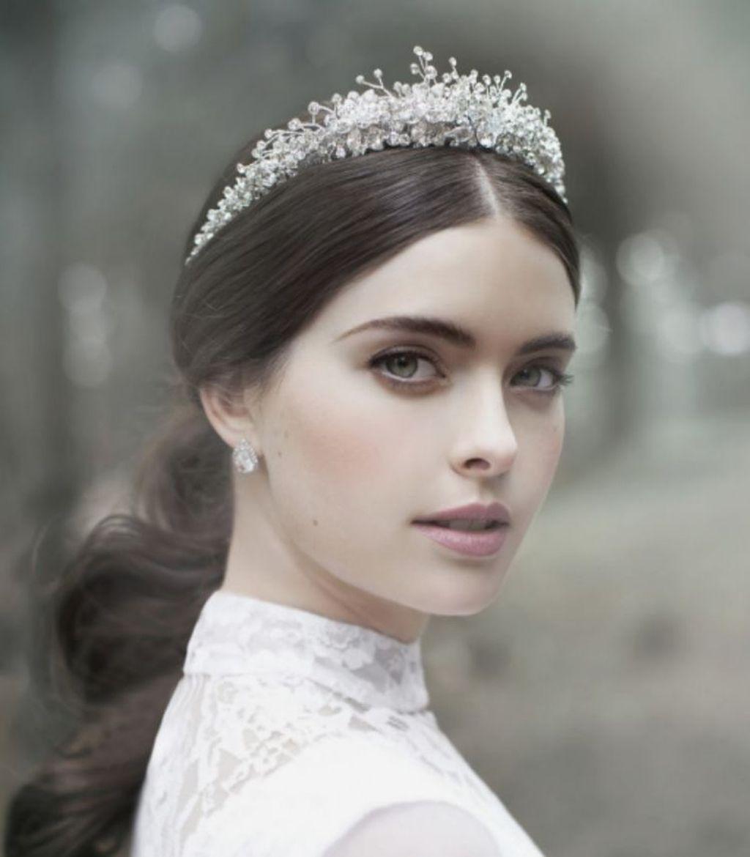 Pin By Tetty Simorangkir On Hair Ideas For E Bridal Headpieces Bridal Couture Bridal