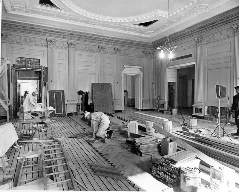 The Carpenters Are Laying Quartered White Oak Floor In State Dining Room A Herringbone Design 23 January