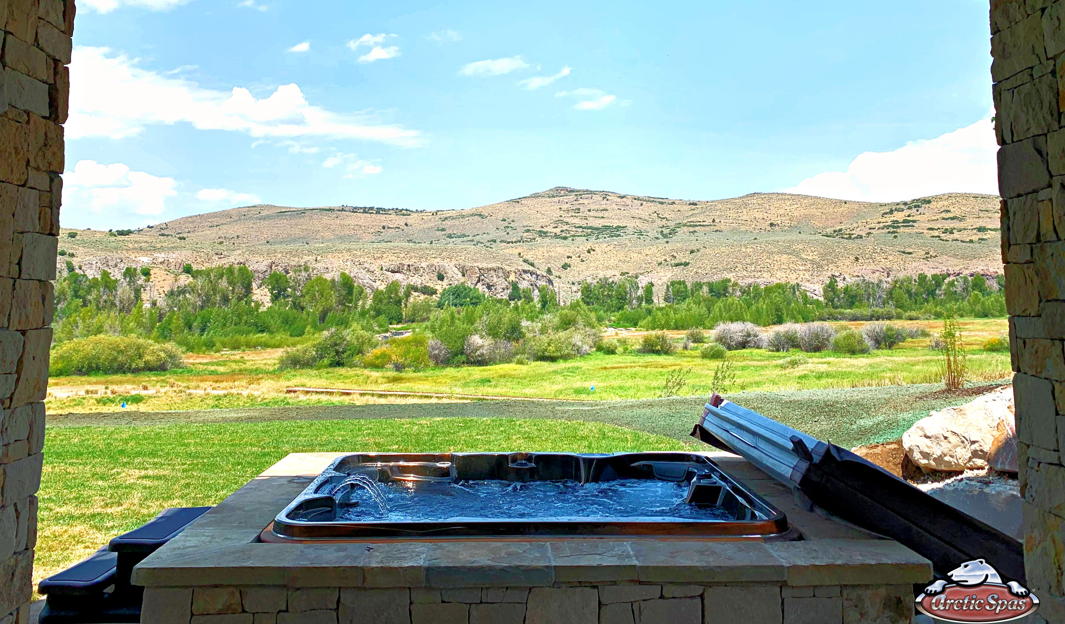 If you're looking for that something extra, this SummitXL will do it!   #ArcticSpasUtah #ArcticSpas #arctic #spas #spa #hottub #hottubs #pool #pools #summitxl #utah #utahhomes #outdoors #relax #patio #newhome