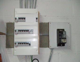 remplacement de tableau lectrique electricit coffret lectrique c bles disjoncteurs. Black Bedroom Furniture Sets. Home Design Ideas