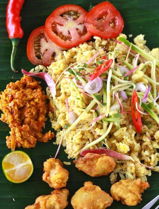 Nasi Kerabu Ulam Setaman Iwith Beansprouts Torch Ginger Flower Long Beans And Cashew Leaves Vegan Recipes Easy Torch Ginger Flower Ginger Flower