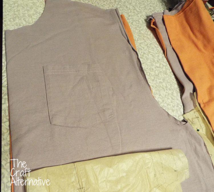 Make a Top Using a Man's T-Shirt as Fabric_Pocket