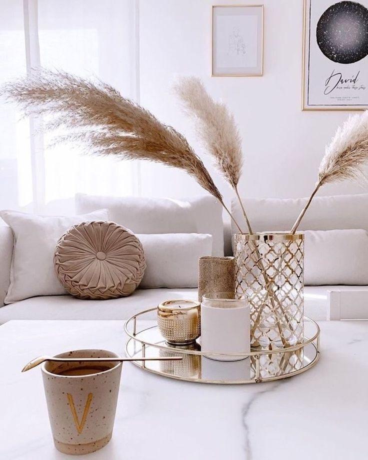 Tischdeko | Pampasgras Dekoration | Goldenes Tablett dekorieren