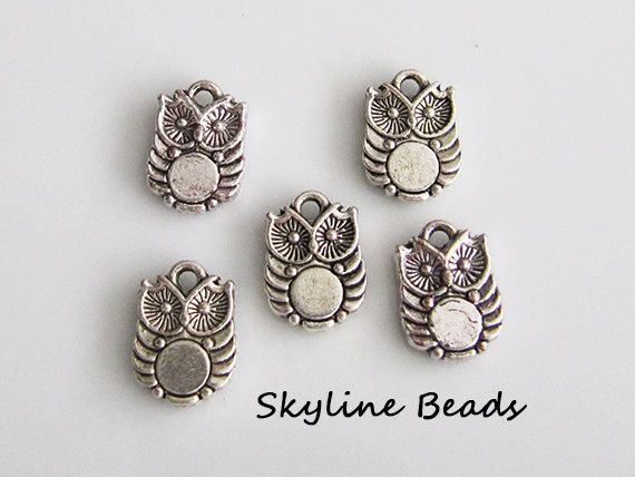 5 Owl Charms / Pendants Antique Silver Color  by SkylineBeads, $1.65