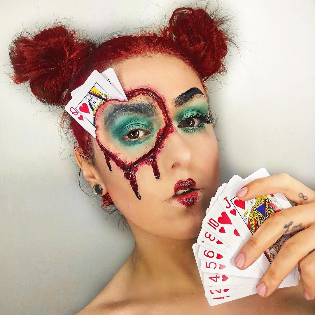 Off With Their Heads Dionnedempseymakeup Recreates A Gory Queen Of Hearts Look Using Gory Halloween Makeup Amazing Halloween Makeup Queen Of Hearts Makeup