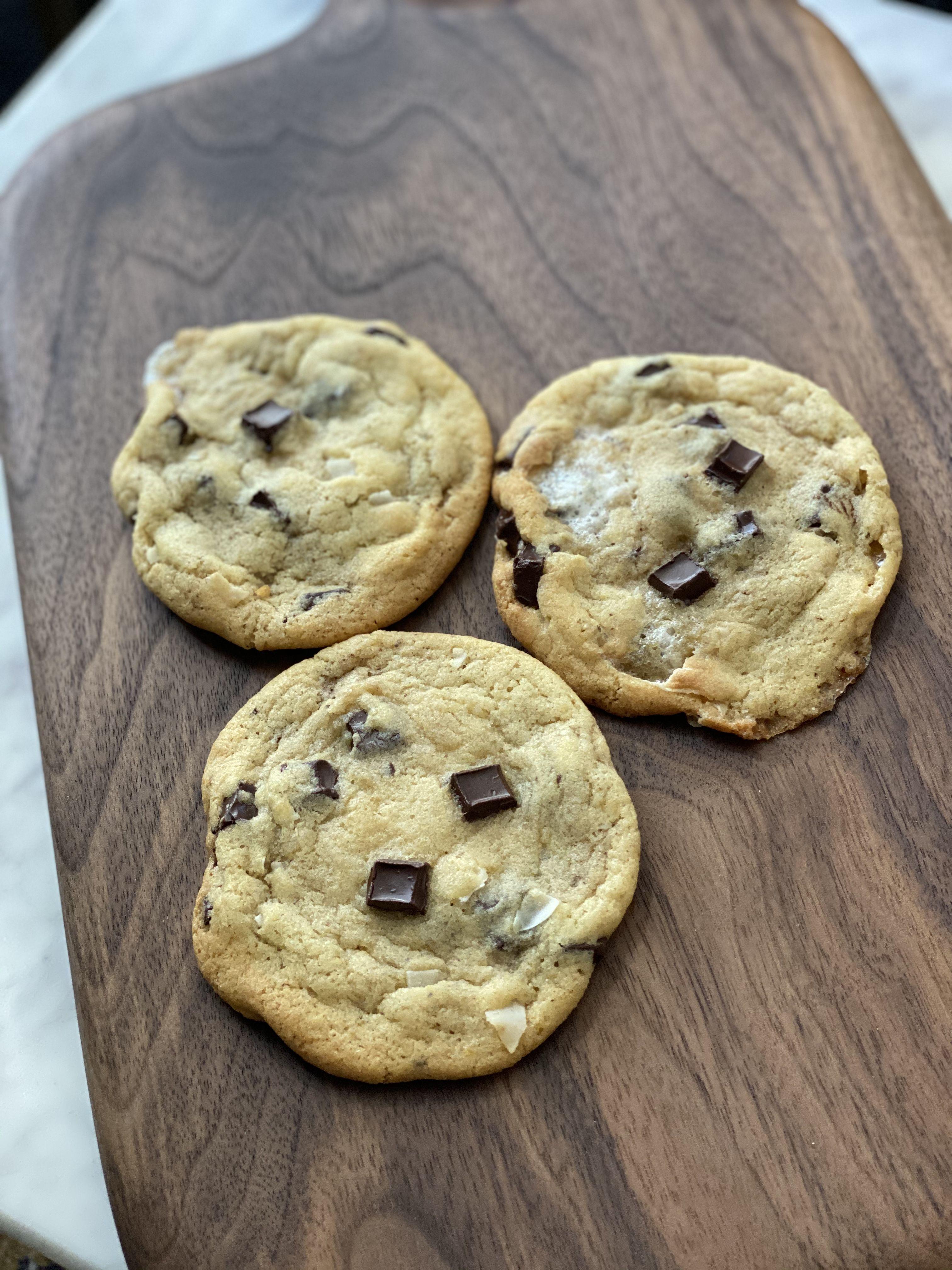 Marshmallow, Coconut & Dark chocolate chunk cookies City