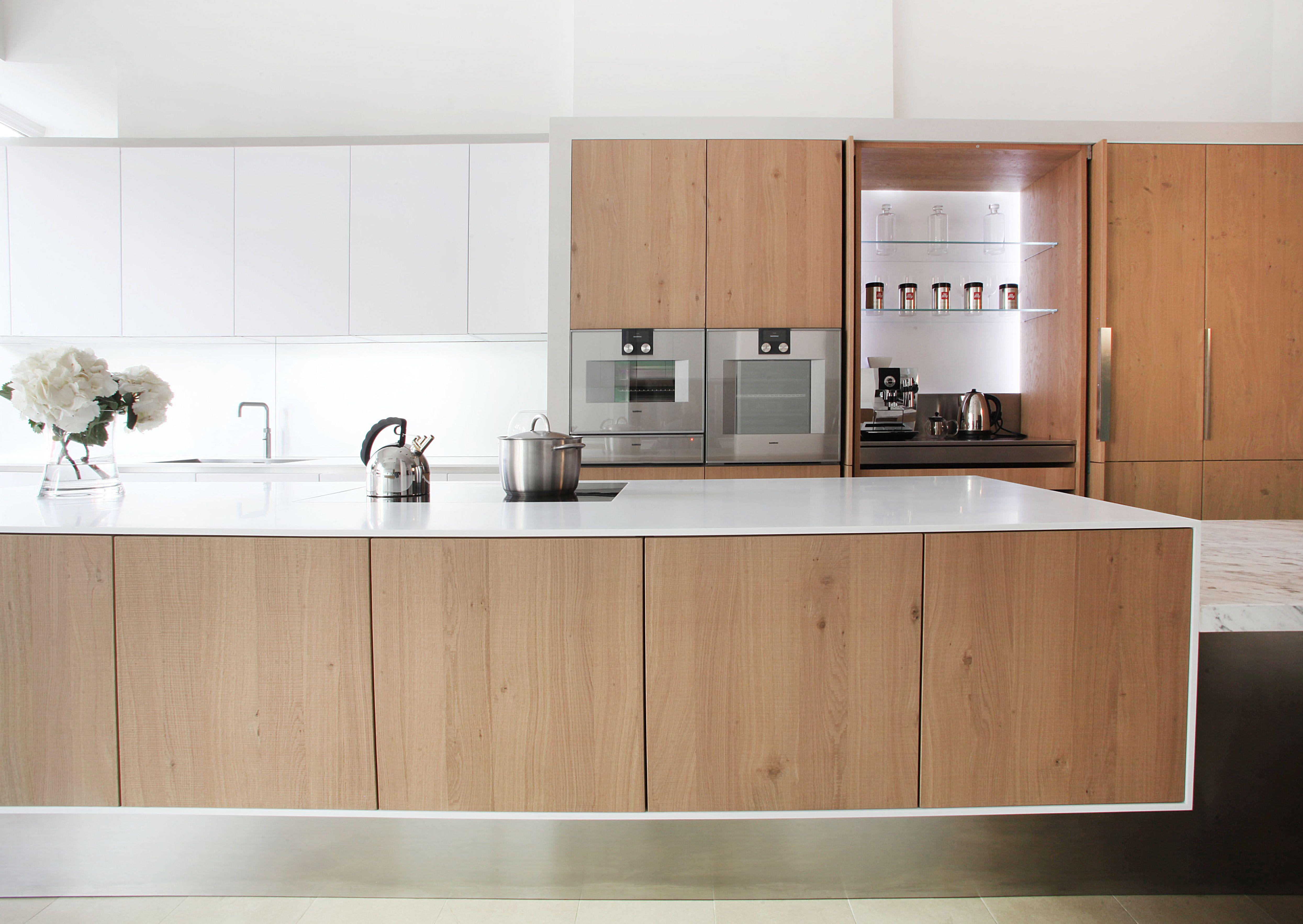 Corian Floating Island Matrix Showroom Www Matrixkitchens Co Uk  # Muebles New Style Villa Tesei