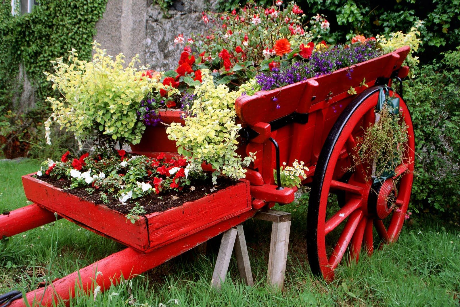 easy pieces carts cart gardens diy and pin garden wagons