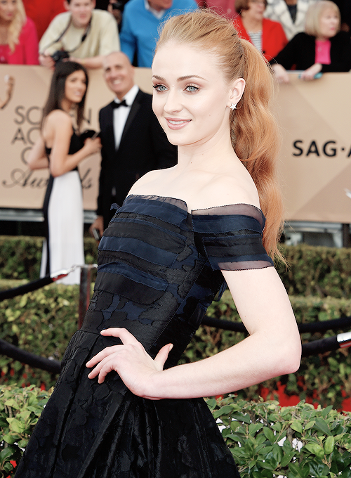 """dailysturner: """"Sophie Turner attends The 22nd Annual Screen Actors Guild Awards at The Shrine Auditorium on January 30, 2016 in Los Angeles, California. (x) """""""
