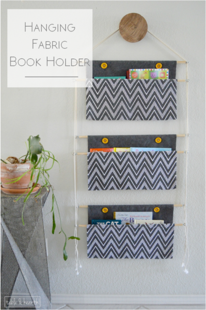Etonnant Organize Kidu0027s Books, Magazines And Files With This DIY Hanging Fabric Book  Holder