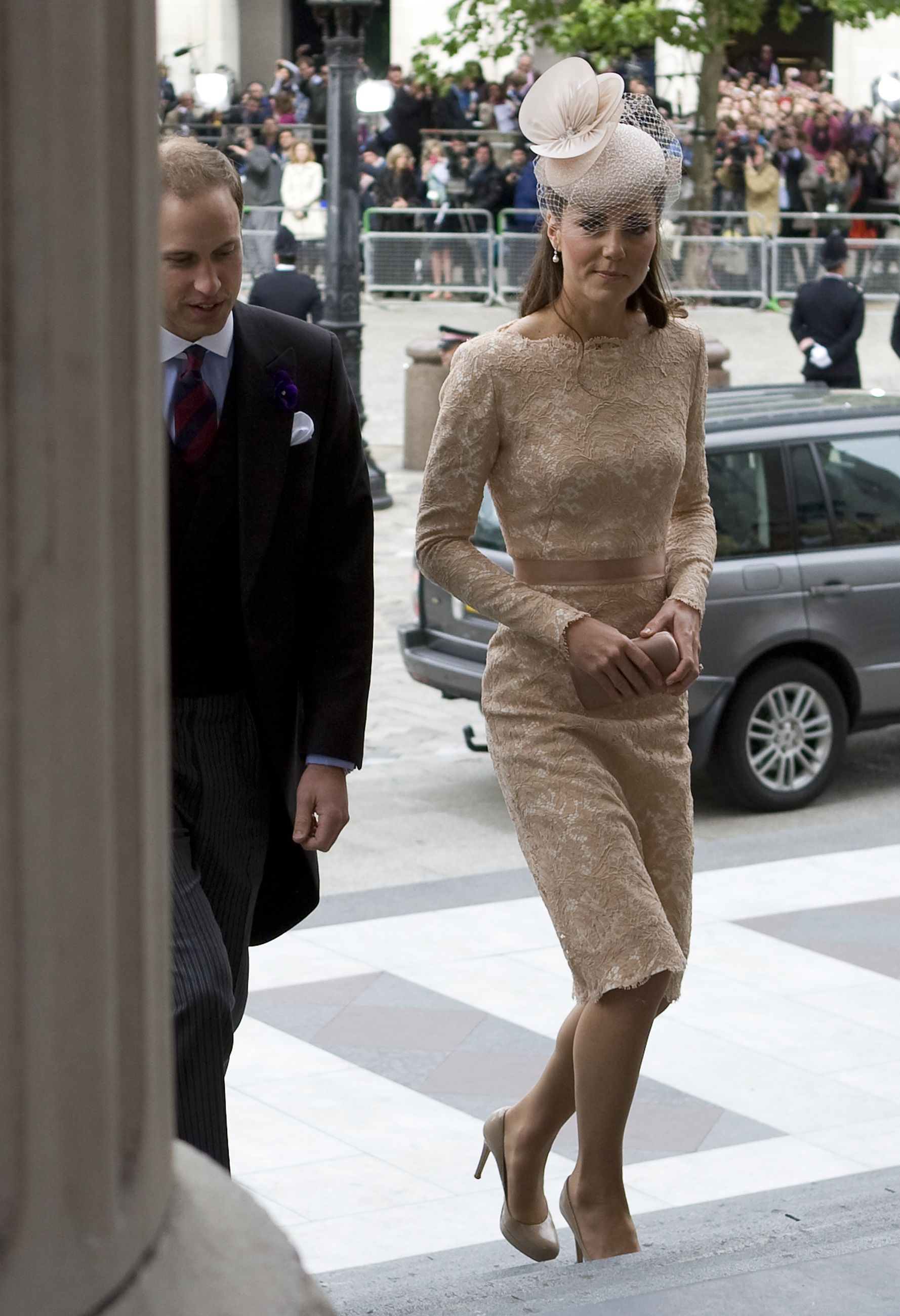 Kate - Alexander McQueen Beige Lace Dress National Service Of Thanksgiving at St Paul's Cathedral 5 June 2012