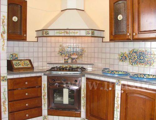 Cucina in muratura cucine in muratura for Piastrelle cucina caltagirone