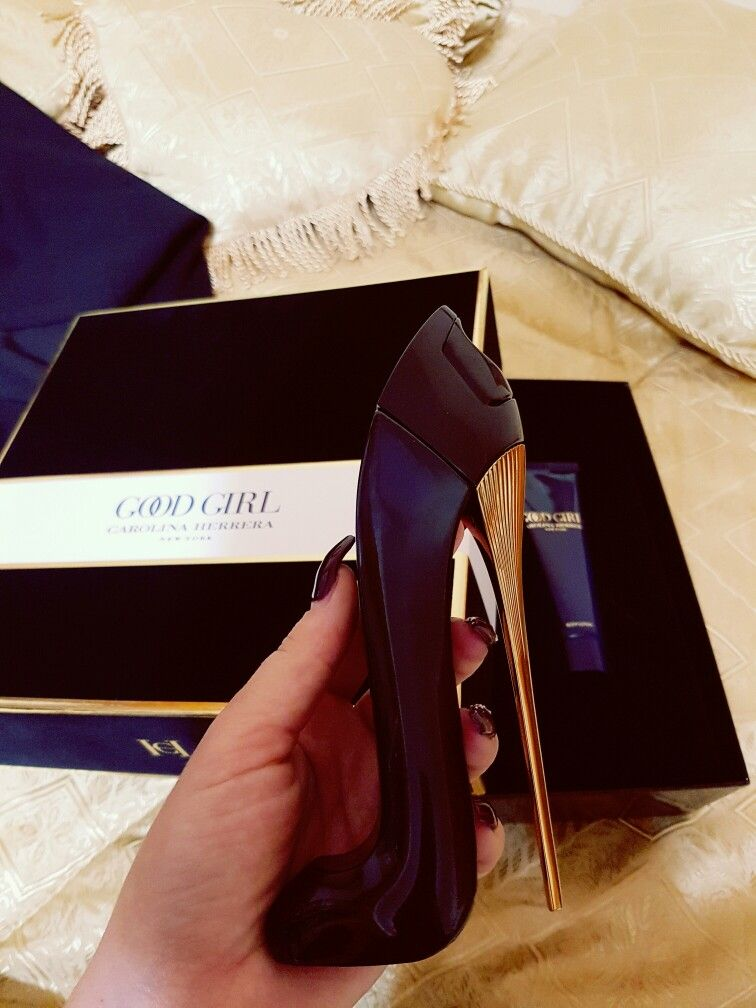 Carolina Herrera Good Girl absolutely long lasting perfume amazing toppppp c52c9c465f