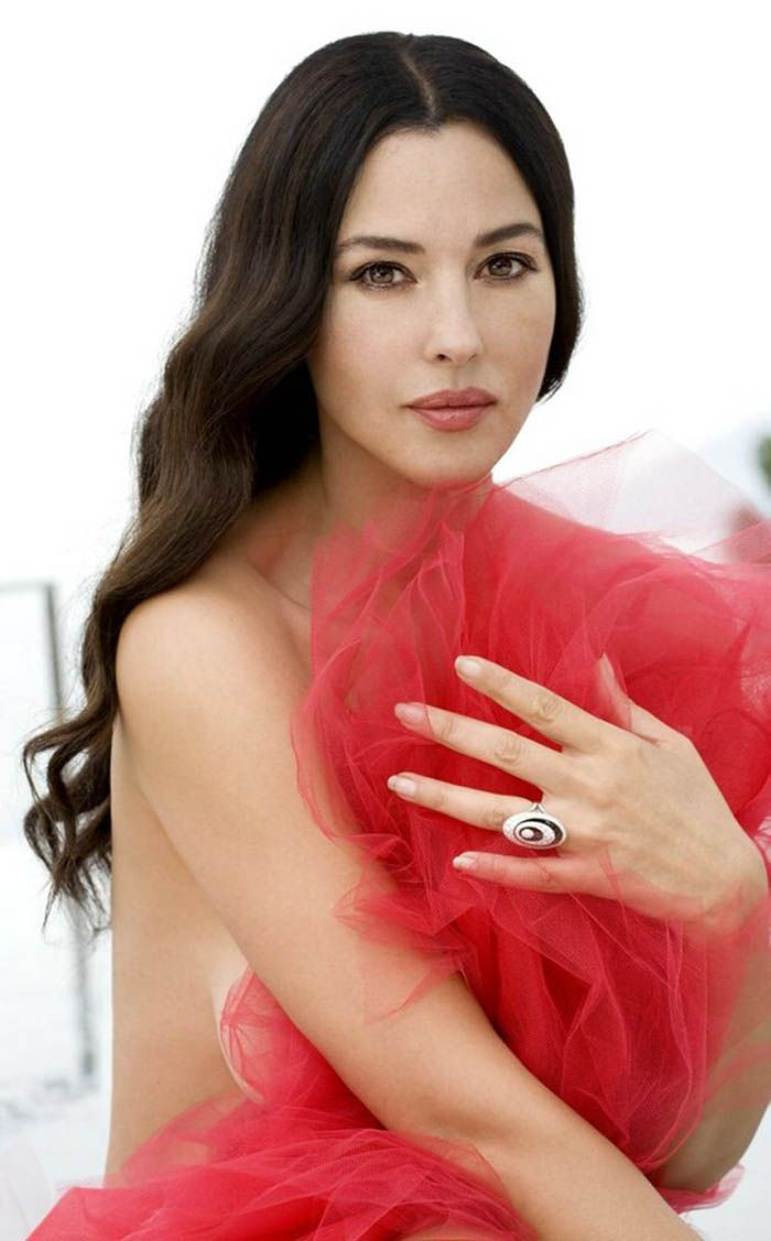 My 100 Babe S Of The 90 S 2015 Version Monica Bellucci Monica
