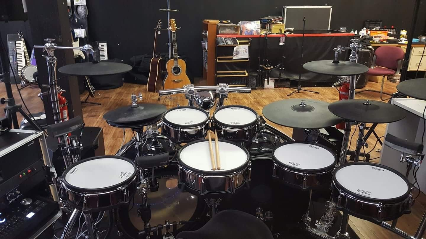 Laid Flat Out Awesome Set Up With Images Drum Kits Drums