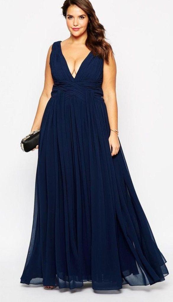 Este vestido azul es ideal par aquellas mujeres que desean esconder