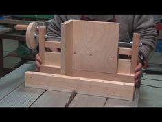 Box Joint Jig for Table Saw: Rebuilt and improved: pt2 - YouTube