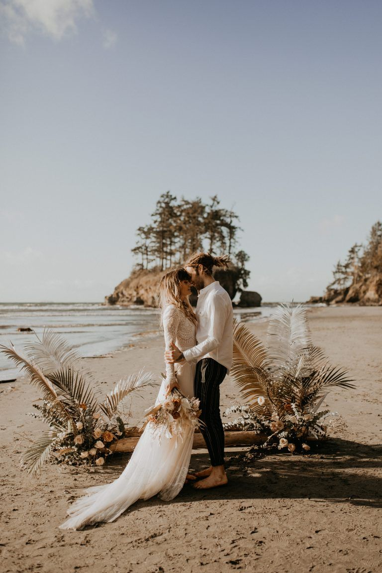 Olympic National Park Elopement Seattle Wa Amy Caleb In 2020 Beach Wedding Photography Boho Beach Wedding Elope Wedding