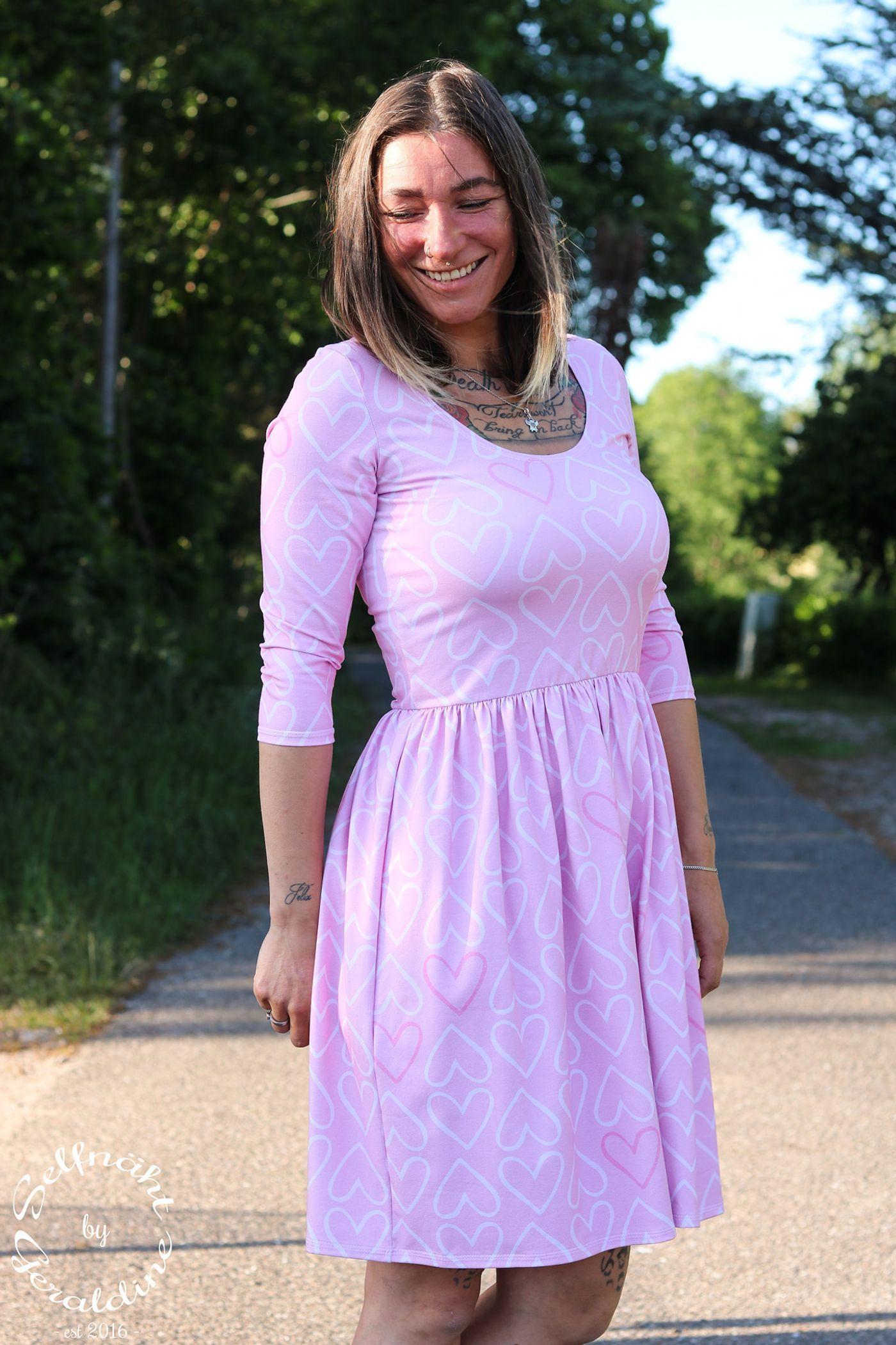 Schnittmuster Nahanleitung Kleid Grosse Amelie Herbst Winter Variante Von Emmilou Kleider Damen Damenkleider Hochgeschlossenes Kleid
