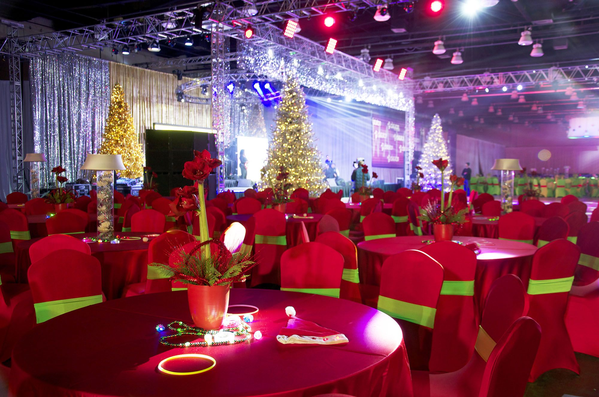 Ruby Red Christmas Party Ideas ~ #Decor #Bright #Fun #Trees