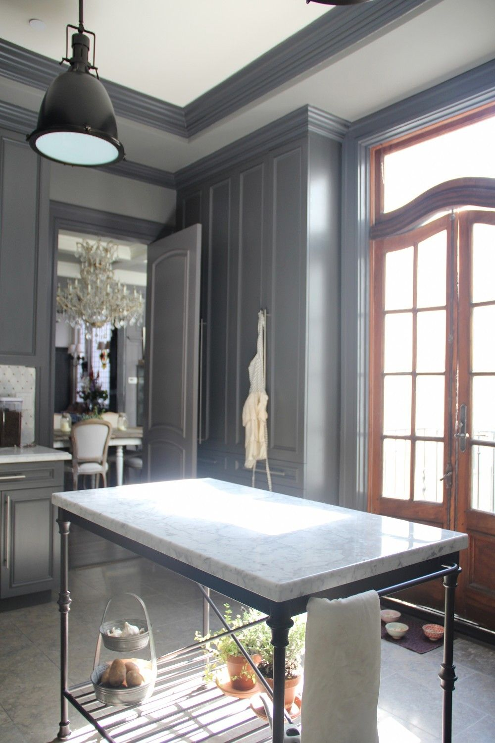 paint colors that match this apartment therapy photo  sw 7016 mindful gray sw u2026 paint colors that match this apartment therapy photo  sw 7016      rh   in pinterest com