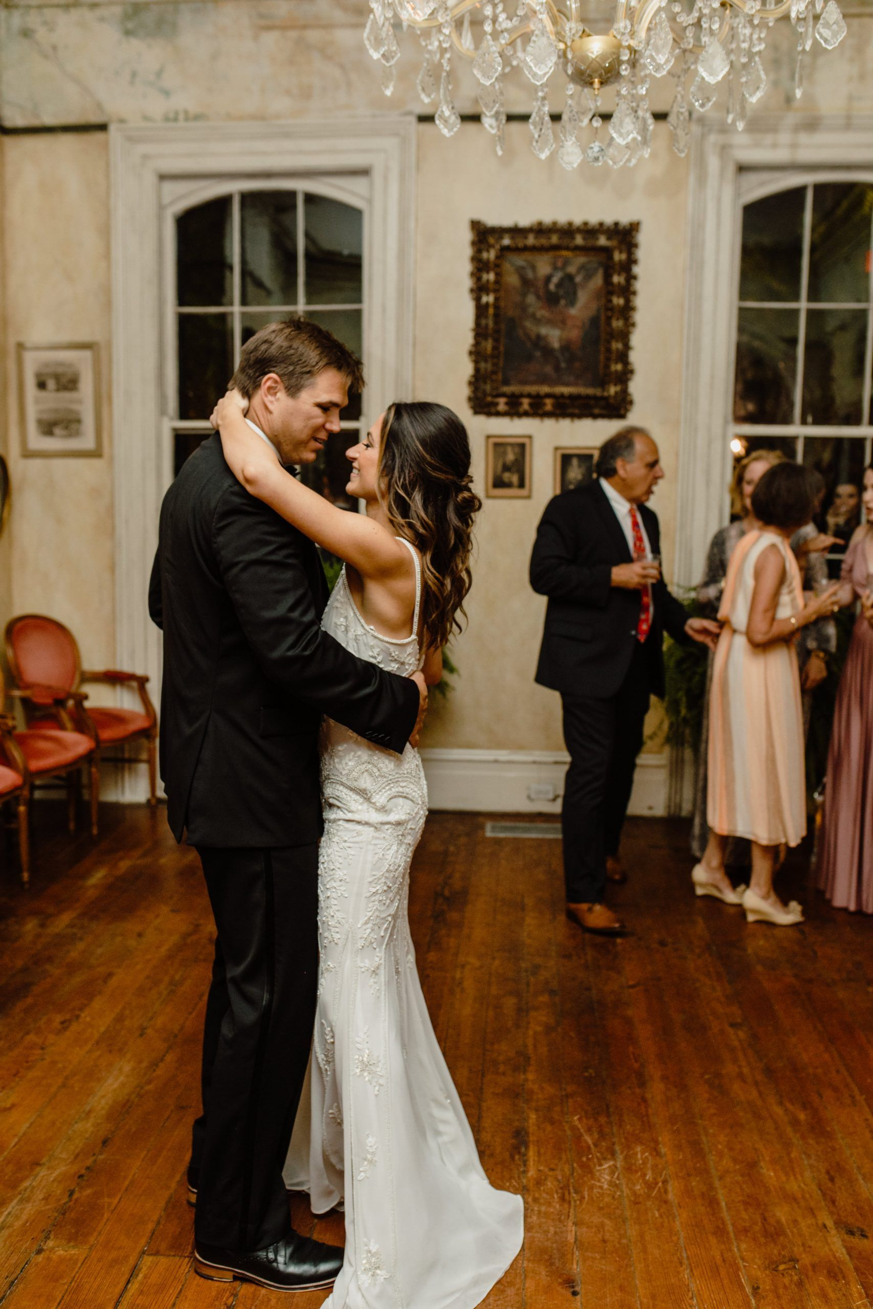 A Classic New Orleans Wedding At Cavan Louisiana Elopement And Wedding Photographer In 2020 New Orleans Wedding Wedding First Look New Orleans
