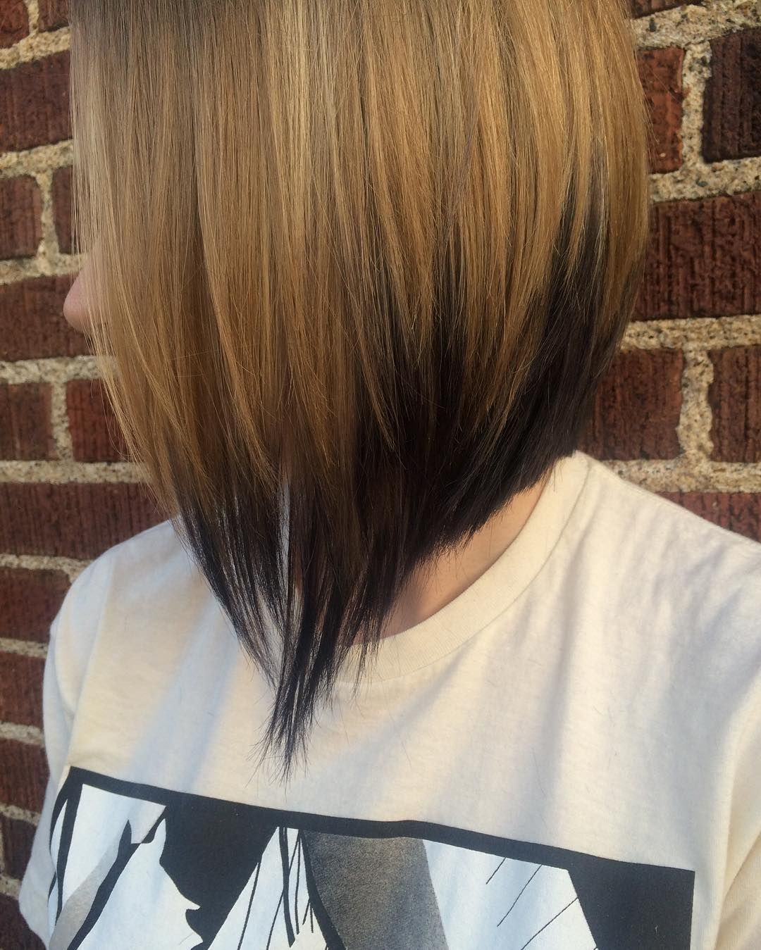Blonde To Black Ombre For Angled Bob Short Ombre Hair Reverse Ombre Hair Angled Bob Hairstyles