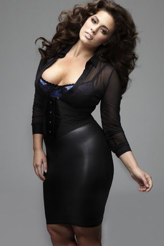Ashley graham plus size model measurements