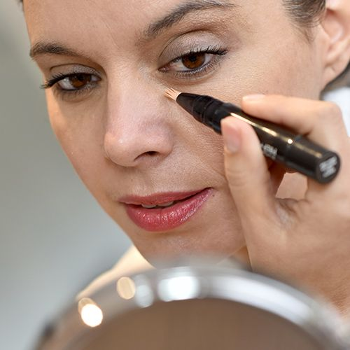 6 Concealers Every Woman Over 40 Should Be Using   Makeup ...