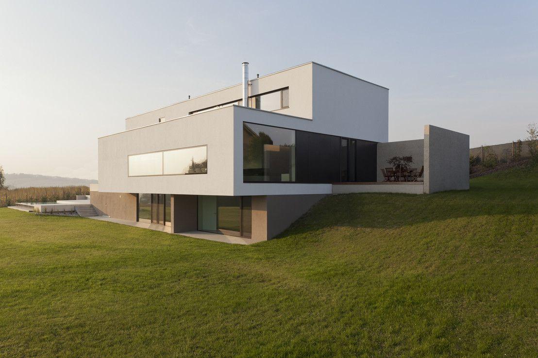 modernes traumhaus in kubistischer form in sterreich bauhaus house goals and haus. Black Bedroom Furniture Sets. Home Design Ideas