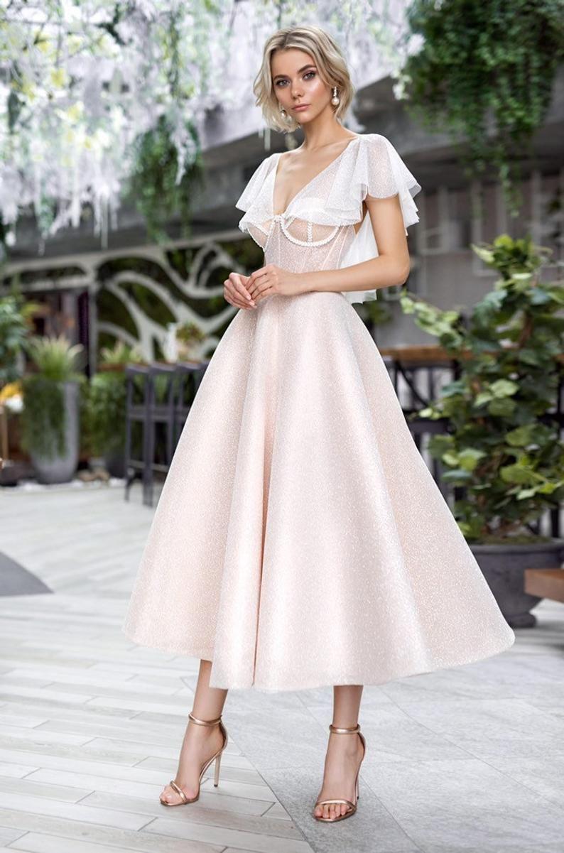 Short Boho Wedding Dress Beach Simple Modern Short Mini Etsy In 2020 Midi Wedding Dress Beach Wedding Dress Boho Beach Wedding Dress,Wedding Dress Display Case