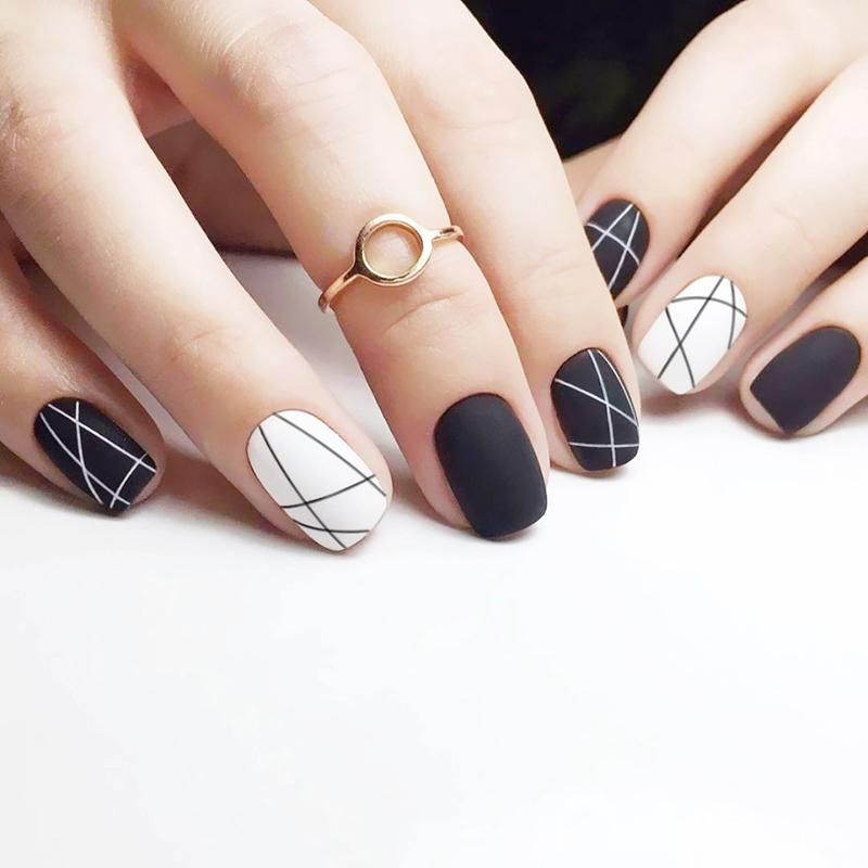 24 Pcs Black White With Disordered Line Pattern False Nails Black Nail Designs Black And White Nail Designs White Nail Designs