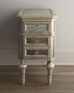 """H6F2J """"Dresden"""" Mirrored Side Table"""