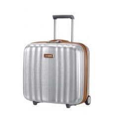 Rolling tote plus aluminium. A stylish and resistant luggage that allows you to #travel in comfort thanks to its reduced weight, smooth wheels and spacious interior compartments. Shop now on luggageb2b.be.