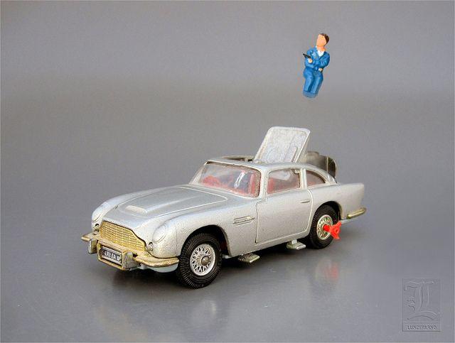 James Bond 007 Aston Martin Db5 No 270 With Ejector Seat Die Cast By Corgi Toys Corgi Toys Toys Vintage Toys
