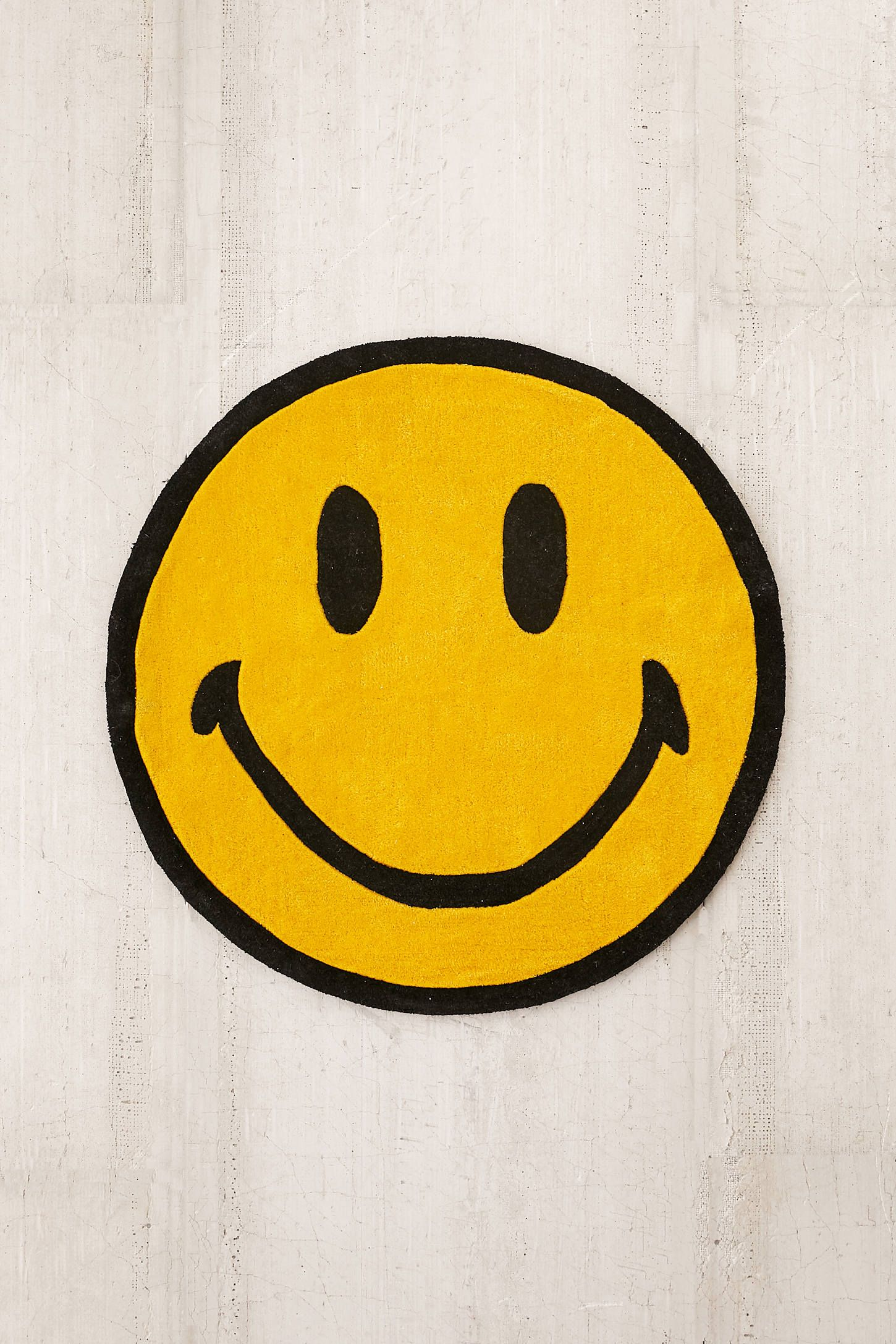 Chinatown Market X Smiley Uo Exclusive Smiley Plush Rug In 2020 Plush Rug Vinyl Art Paint Vinyl Art