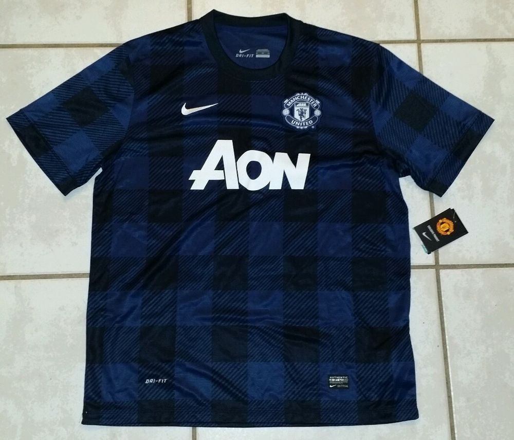 28dd5a20e NWT Authentic NIKE Manchester United BLUE Soccer Jersey Men s XL in Sports  Mem