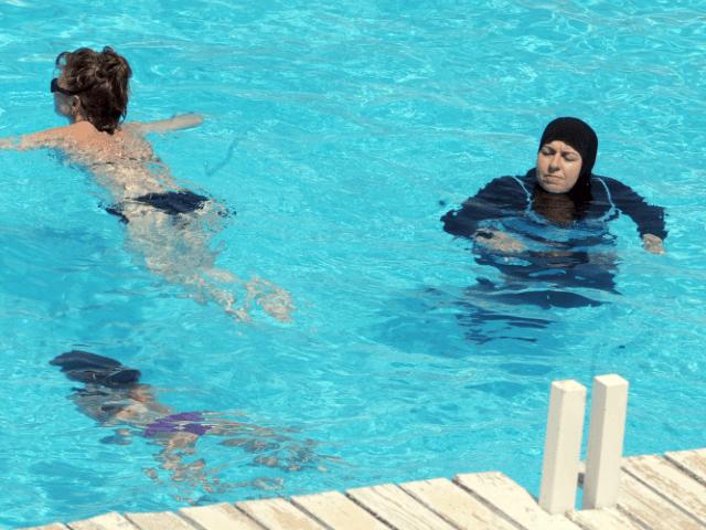 Pool-Zitat der anderen Frau