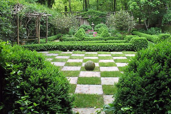 Checkerboard Garden I Would Put Out Large Chess Pieces Like In Alice In Wonderland Or The First Harry Pot Alice In Wonderland Garden Garden Outdoor Garden