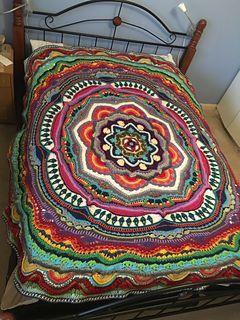 Mandala madness cal 2016 free crochet pattern crochet bohemian bedspread crocheted mandala pattern in beautiful colors free crochet pattern dt1010fo