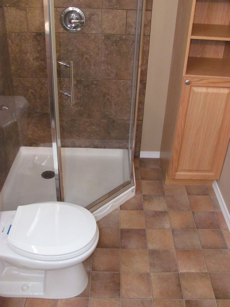 Neo Angle Shower Kits | Large Neo-angle shower stall provides lots ...