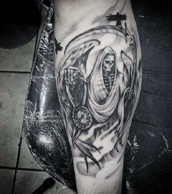 935e61af90118 Grim Reaper tattoo with wings. The reaper has wings and is at the same time  accompanied by a black raven. In its hands you can also see a clock for  counting ...