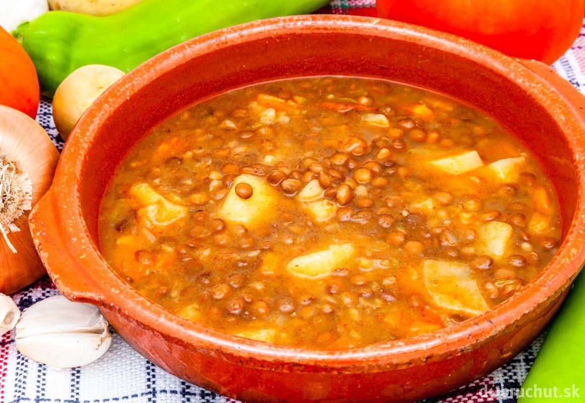 Šošovicová polievka so zemiakmi