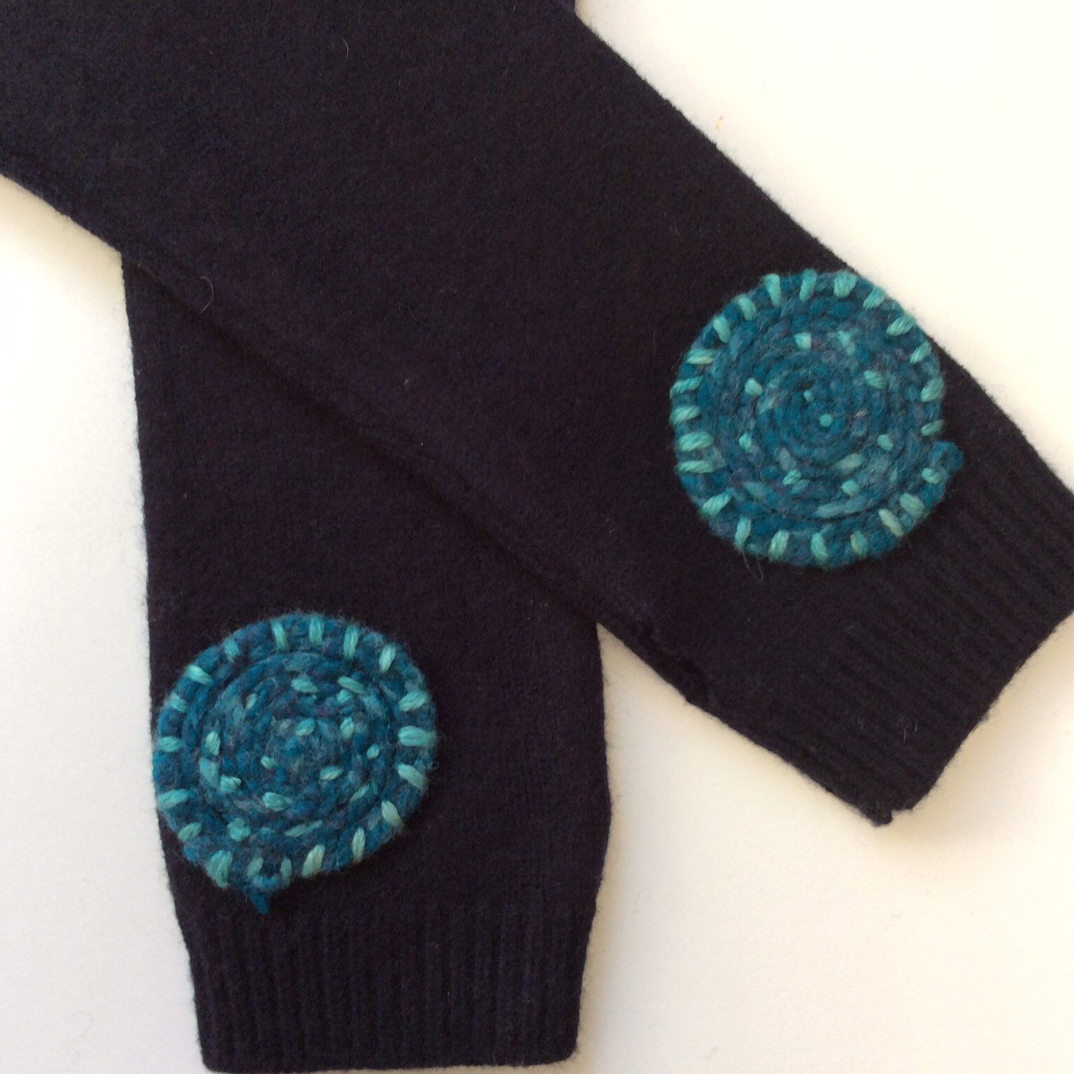 Turquoise Blue Vintage Gloves Sz 6 Over the Wrist Length