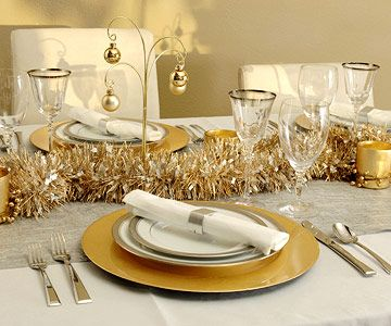 Gold And Silver Christmas Table Decorating Ideas