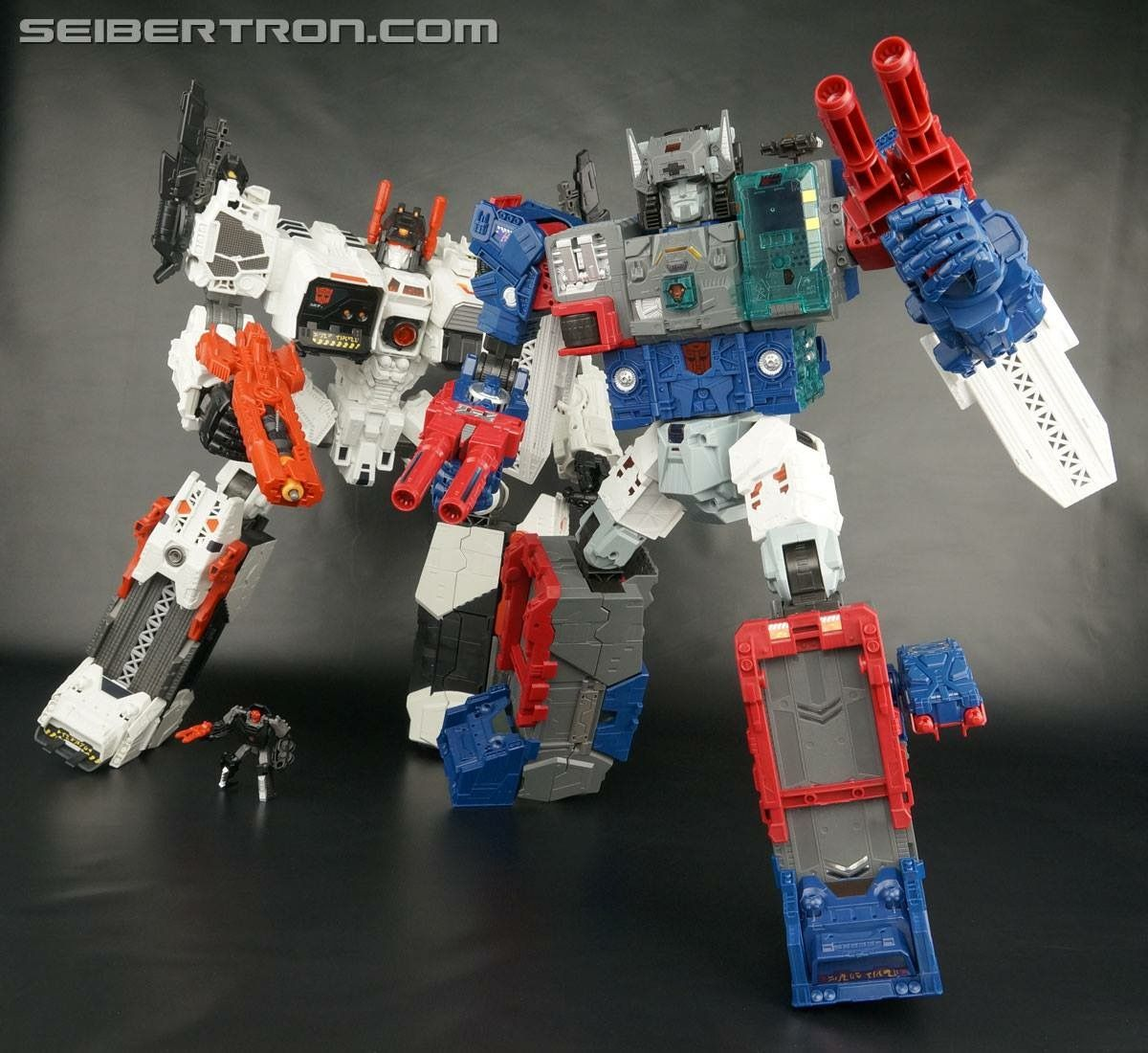 >>  Metroplex and Fortress Maximus -  TRANSFORMERS  G1  <<