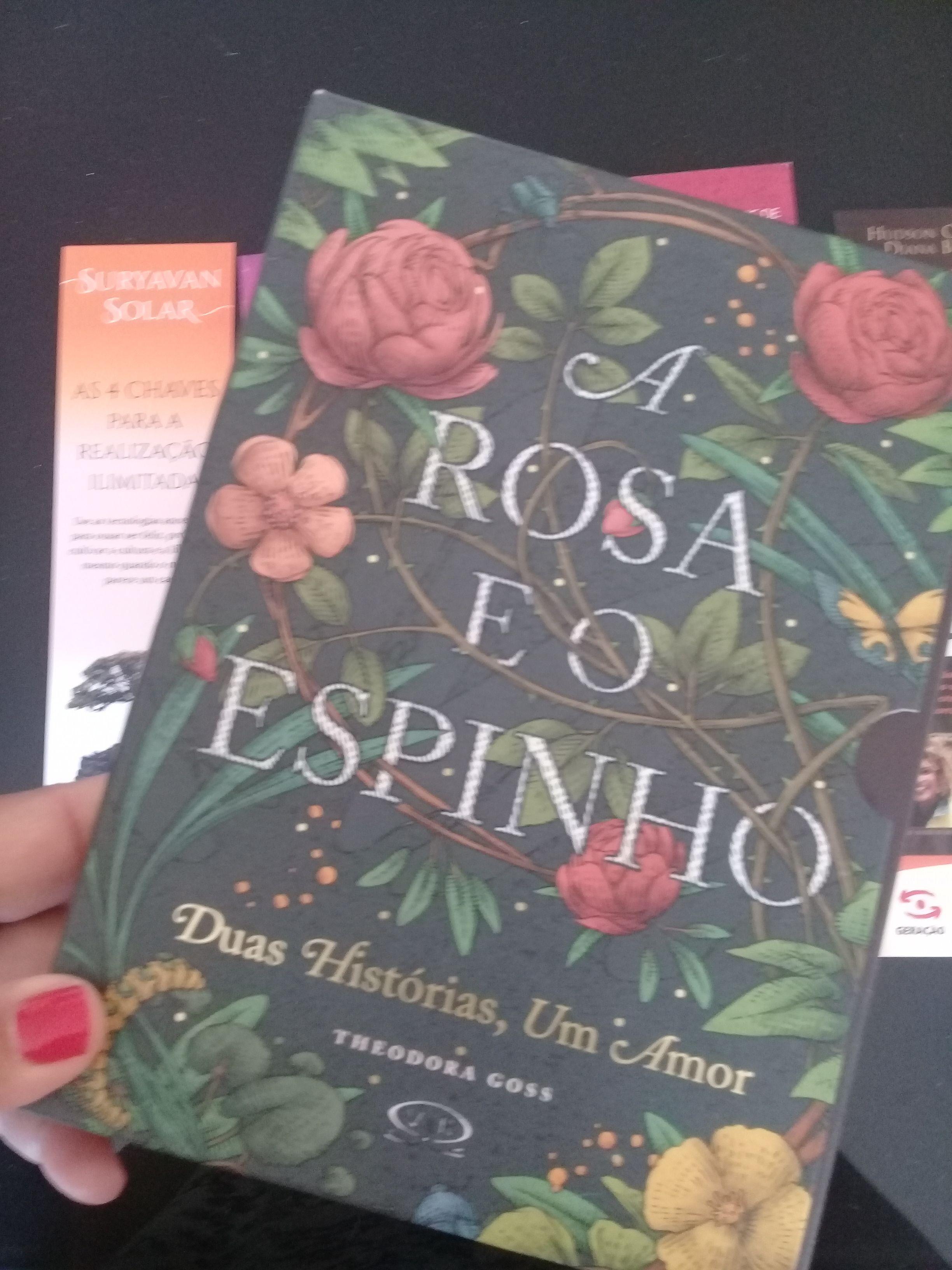 Livro Lindo E Diferente Sem Lombada E Dois Em Um Livros
