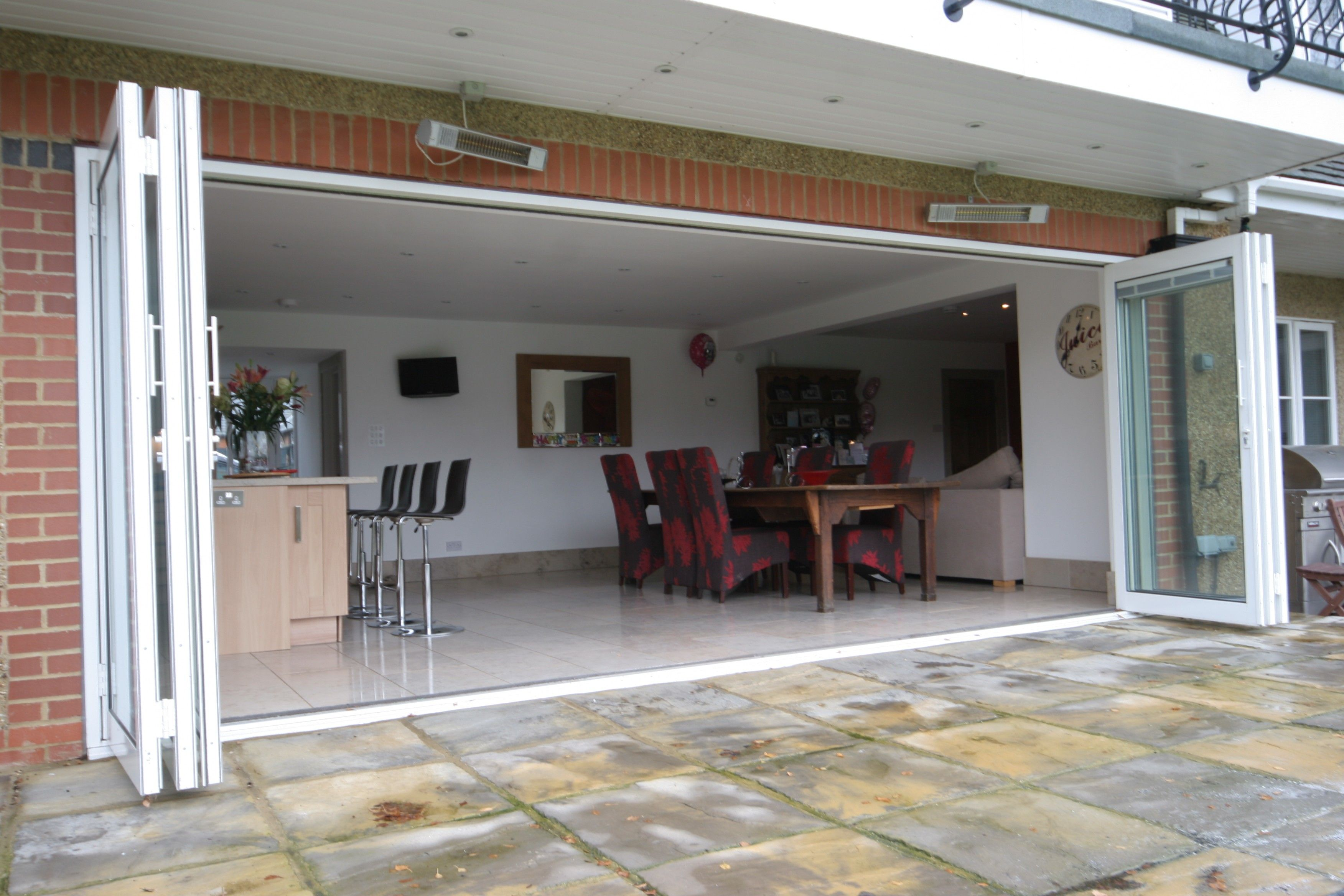 Exterior Aluminium Bi Folding Patio Door For Open Dining Room