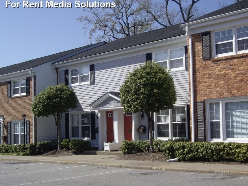 Walkers Chase Townhomes For Rent In Norfolk Virginia Virginia Apartments Apartments For Rent Townhomes For Rent